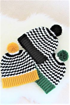 Try this crochet hat pattern free and I am sure you will enjoy making it in all sizes. Simple stitches give this beanie pop of color. Crochet Poncho Patterns, Crochet Beanie Pattern, Basic Crochet Stitches, Hat Patterns, Crochet Winter Hats, Crochet Hats, Knit Hats, Crochet Blankets, Quick Crochet