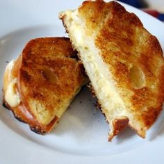 Grown-up grilled cheese sandwiches - These creamy, toasty sandwiches will make you feel like a kid, just eating much better. :)