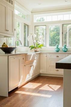 House of Turquoise: Costa de Maine Diseño de la cocina