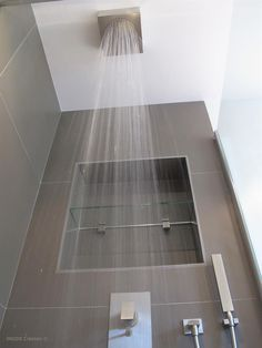 Parcourez des milliers d'idées décoration et aménagement de salles de bain provenant de professionnels de la maison. Retenez les meilleures idées dans vos Coups de Coeur.