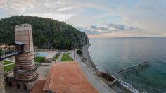 #kaminos  #Evian #Gulf #Greece #hotel #resort Holiday Time, Greece, Relax, Gallery, Nature, Travel, Viajes, Keep Calm, Naturaleza