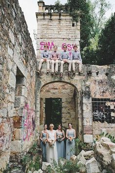 The Graffiti Inspired Wedding: Street Art Chic. This historic venue has some edge as the graffiti is unexpected.  An awesome group photo. Source: hellomay.com.au