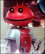 """""""and they eat it with their little knives"""" (burst into hysterical laughter) Smash (mashed potato) advert. 'For mash, get Smash'. 1970s Childhood, My Childhood Memories, Tv Adverts, Tv Ads, 70s Toys, I Robot, Retro Sweets, Back In My Day, The Martian"""