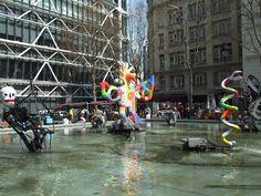 Place Igor Stravinsky, sur un des cotés du centre Pompidou, 4 éme