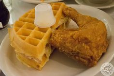 image of fried chicken at Sylvia's in Harlem, NYC, New York