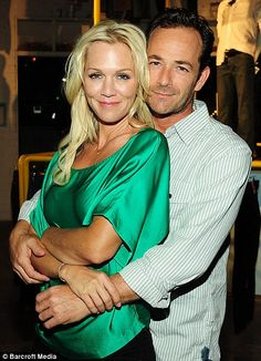 Dylan & Kelly 4-ever: Beverly Hills, 90210 stars Jennie Garth and Luke Perry.