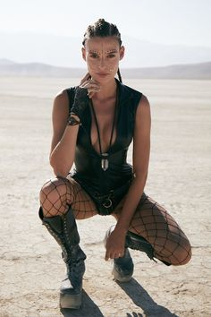 The Most Insane Fashion Looks from Burning Man 2018 Photographer Karim Tabar captured the week& best looks. The best costume, street style, photography from the Burning Man festival Estilo Burning Man, Burning Man Mode, Burning Man Style, Burning Man Girls, Burning Man Fashion, Burning Man Outfits, Burning Man Costumes, Burning Man Clothing, Fashion Looks