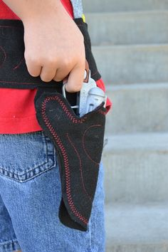As much as I hate the thought of my boy playing with guns...he does on occasion and needs a holster...here's a cute tutorial.