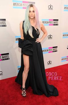 Did ke$ha just get classy (kind of) on us? I'm kind of in love with her hair right now.