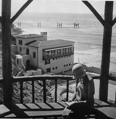 Los Angeles Relics  The Palos Verdes Swimming Club, built 1930, is located in the Palos Verdes Estates. Source: City of Palos Verdes Estates.