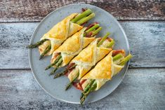 A Food, Food And Drink, Fresh Rolls, Tapas, Brunch, Appetizers, Snacks, Fruit, Ethnic Recipes