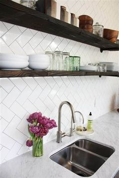 Divine Small kitchen cabinets for storage,Kitchen design and layout ideas and Kitchen remodel 15000 tips. White Kitchen Backsplash, Kitchen Tiles, Diy Kitchen, Kitchen Decor, Kitchen Cabinets, Backsplash Ideas, Backsplash Tile, Tile Flooring, Tile Ideas