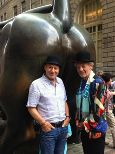 Ian McKellen and Patrick Stewart took some great NYC Tourist Pictures