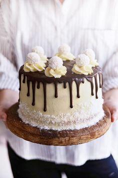 Torta s Bielou Čokoškou, Kokosom a Jahodami Chocolate Ice Cream, Chocolate Cake, Slovak Recipes, Sweets Cake, Polish Recipes, Cake Decorating Tips, Drip Cakes, Fancy Cakes, How Sweet Eats