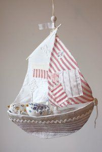 gorgeous sail boats by Ann Wood. They are amazing and so beautiful. Diy And Crafts, Crafts For Kids, Arts And Crafts, Anna Wood, Fabric Crafts, Paper Crafts, Thread Art, Tiny Dolls, Tag Art