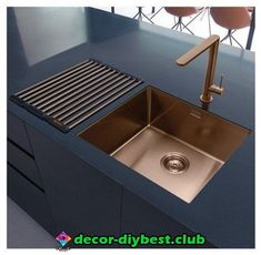 Modern Kitchen Interior Luxurious and modern: copper kitchen sinks
