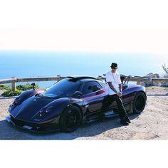 """Hamilton tira """"batmóvel"""" de R$ 6,8 mi da garagem e passeia por Mônaco #globoesporte"""