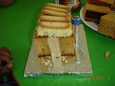 Ecole maternelle Peyret Forcade - La maison d'Hansel et Gretel Waffles, Cheese, Breakfast, Food, Nursery School, Eat, House, Waffle, Hoods