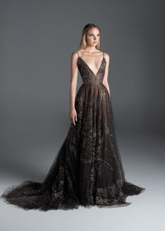 Paolo Sebastian haute couture autumn/winter - Vogue Australia See the entire Paolo Sebastian haute couture autumn/winter collection. Image credits: courtesy of Paolo Sebastian Ball Dresses, Ball Gowns, Prom Dresses, Formal Dresses, Wedding Dress, Looks Black, Fantasy Dress, Couture Collection, Winter Collection