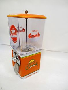 25 cents Gumball Vending Machine that has been completely Restored and themed to: ORANGE CRUSH This Machine comes complete with all original components including: * Machine Base & Body orange & white