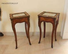 Coppia di tavolini francesi con piani in porcellana dipinta #Antiquariato #deluxe
