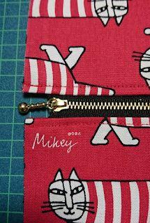 布ポーチ②*内布とファスナー付き Coin Purse, Pouch, Purses, Knitting, Sewing, Pattern, Blog, Handmade, Scrappy Quilts