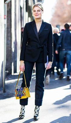 2. TAILLEUR CON ACCESSORI.. PAZZI!  Abbina il tuo tailleur con accessori pazzi per dare nuova vita!! Outfits per marzo: 7 idee ispirazione!