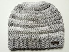 Ravelry: Super Simple Messy Bun Beanie pattern by Debra Brannon Ponytail Hat Knitting Pattern, Beanie Pattern, Crochet Patterns, Hat Patterns, Crochet Designs, Crochet Ideas, Crochet Projects, Knitting Patterns, Super Simple