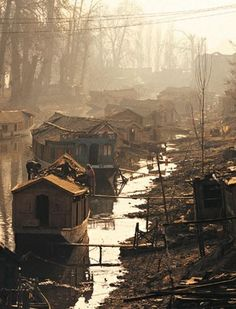 Some of us were not so lucky and we are not born in a wonderful life, filled with luxury. Destiny choose it for us! But in the end it's will be batter Srinagar, Environment Concept Art, Slums, Dalai Lama, Its A Wonderful Life, Abandoned Places, Architecture, Human Rights, Scenery