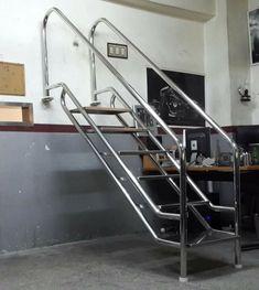 Iron Stair Railing, Steel Railing, Balcony Railing, Stainless Steel Fabrication, Steel Gate Design, Escalier Design, Garden Stairs, Stair Case, Modern Stairs