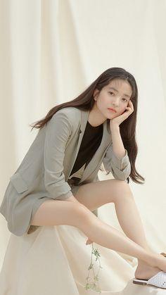 김태리 프론트로우 폰 배경화면 & 잠금화면 23장 Korea Fashion, Fashion Photo, Fashion Models, Korean Celebrities, Celebs, Korean Actresses, Work Looks, Japanese Fashion, K Idols