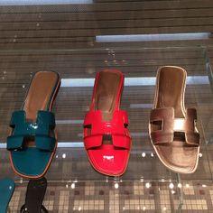 Hérmes Sandals Price  225 KD  Padgram Sandal Price b31cfd83f31e5