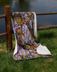 Ships free! Lavender Camo 50x70 Sherpa Mink Throw Style Blankets