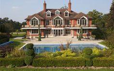 Even binnenkijken bij Tom Cruise. De villa van 6,7 miljoen is eindelijk verkocht.