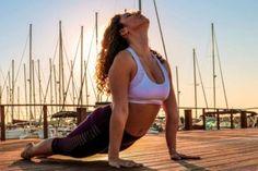 Beneficios del Yoga y tips para practicarlo. | Yoga principiantes - Aprendiz de Yoga Yoga Kundalini, Pranayama, Yoga Mantras, Yoga Poses For Beginners, Pilates, Gym, Running, Fitness, Swimwear