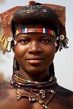 Mucahona ( 'Mucawana' ) Huila, Angola . Photography Eric Lafforgue .