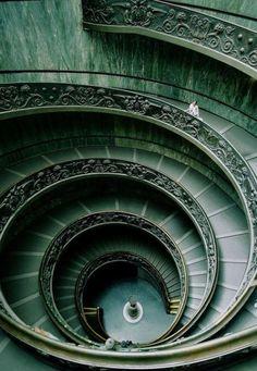 Vatikan Museum staircase, Italy