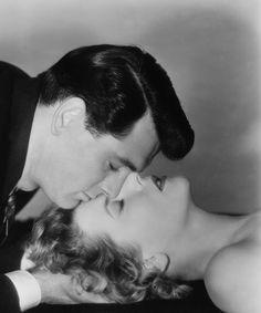 Rock Hudson (Winnetka, Illinois, 17 de noviembre de 1925 - Beverly Hills, California, 2 de octubre de 1985) Con Cornell Borchers en la película Hoy como ayer (Never Say Goodbye) (1956)
