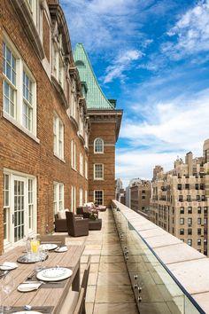 Fachada do The Mark Hotel, em Nova York Resorts, New York Hotels, Manhattan Nyc, Hotel Suites, East Side, New York City, Terrace, Luxury Hotels, Contemporary