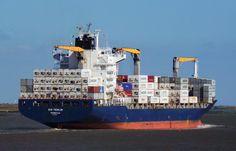 Cargo ship Rio Teslin leaves Tilbury heading for Rotterdam