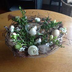 Schaal voor Pasen Long Winter, Yarn Crafts, Terrarium, Creations, Spring, Easter Activities, Terrariums