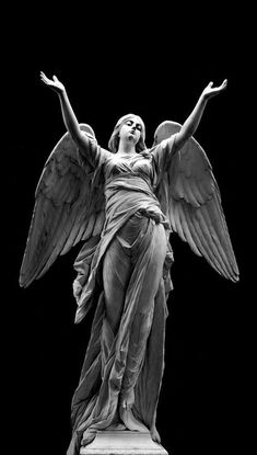 Cemetery Angels, Cemetery Art, Cemetery Statues, Statue Ange, Sculpture Romaine, Renaissance Kunst, Greek Statues, Ancient Greek Sculpture, Angel Art