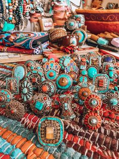 A few of the most popular boho fashions! I really like the move and aesthetic of one's bohemian energy! Bohemian Jewellery, Hippie Jewelry, Indian Jewelry, Hippie Bracelets, Skull Jewelry, Western Jewelry, Jewellery Box, Tribal Jewelry, Hippie Stil