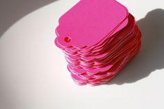 De nouvelles étiquettes rose fluo.  nuage-shop.com