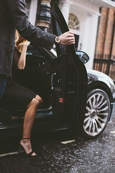 Lavish Lawyer — Treat her right. Couple Chic, Classy Couple, Love Couple, Rich Couple, Couple Goals Tumblr, Parejas Goals Tumblr, Luxury Couple, Treat Her Right, Couple Goals Cuddling