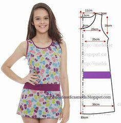 PASSO A PASSO MOLDE DE VESTIDO TAMANHO 38 Corte um retângulo de tecido com a altura e largura que pretende para as costas e frentes. Dobre ao meio o retâng