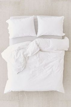 Washed Cotton Duvet Cover - White Full/queen at Urban Outfitters Queen Size Duvet Covers, White Duvet Covers, Queen Size Bedding, Duvet Cover Sets, Pillow Covers, Pillow Inserts, Duvet Covers Urban Outfitters, Built In Bunks, Murphy Bed Ikea
