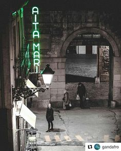 Night falls on the old town ✨ @gandafro   #sansebastian #euskadi #tourism
