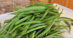 There are always tons of green beans at the farmers market and they& usually really cheap but we never really knew what to do with th. Vegetable Sides, Vegetable Side Dishes, Side Dish Recipes, Vegetable Recipes, Cooking Green Beans, Fruits And Veggies, Vegetables, Green Bean Recipes, Cooking Recipes