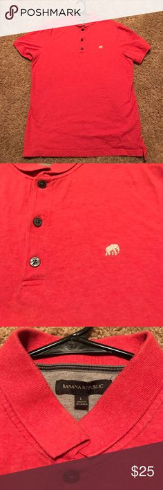 Banana Republic Polo Worn a couple of times but still in great shape. Really good material so last a long time! A great buy for cheap Banana Republic Shirts Polos